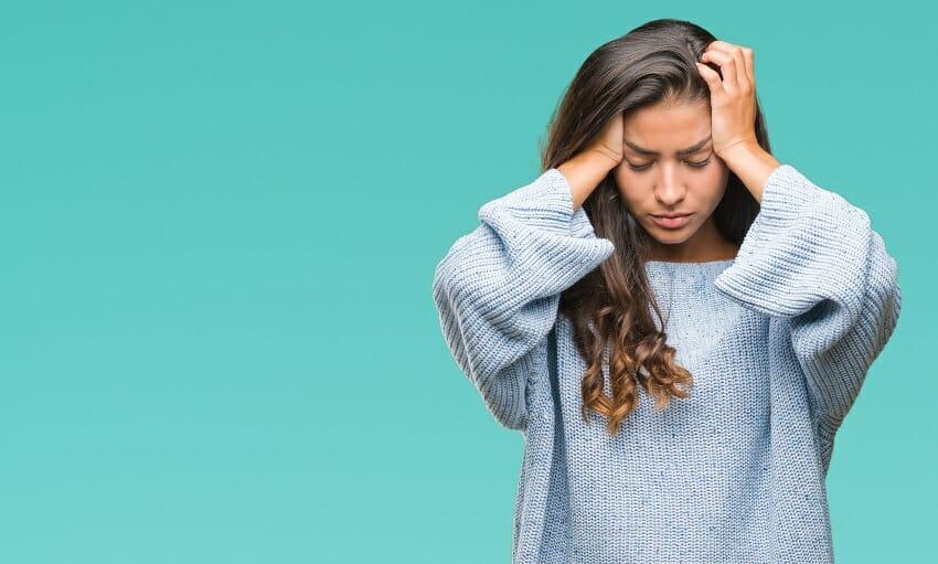 Emicrania da ciclo e da pillola, cause e rimedi