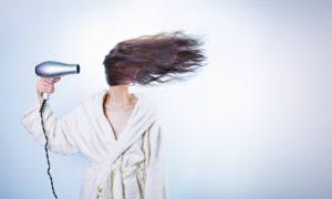 rimedi capelli secchi e sfibrati