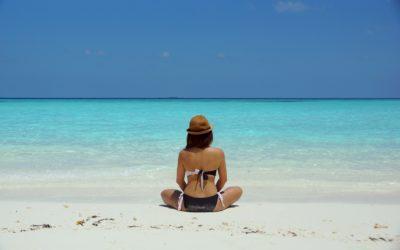Guida all'abbronzatura perfetta: come proteggersi dal sole in modo naturale