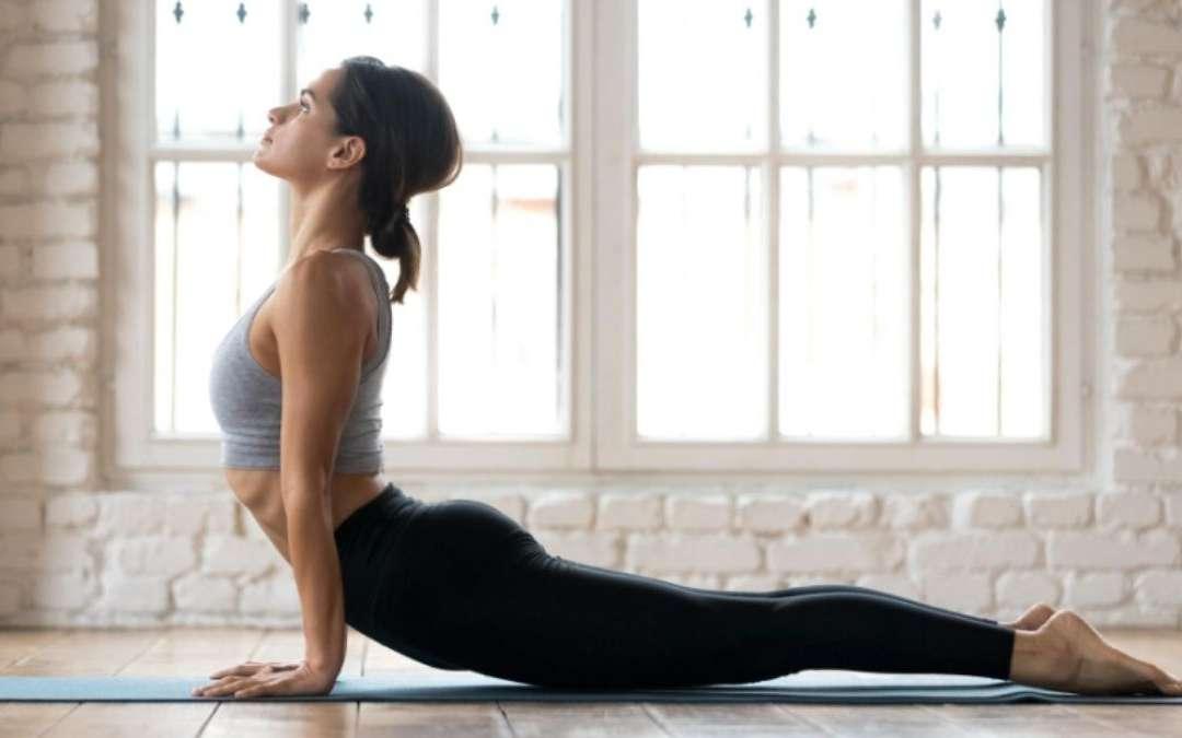 Yoga e dolori mestruali, le posizioni più efficaci